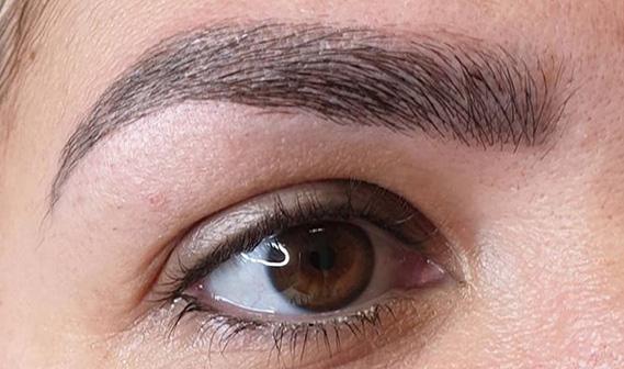 Maquillage semi-permanent des sourcils 49 Angers